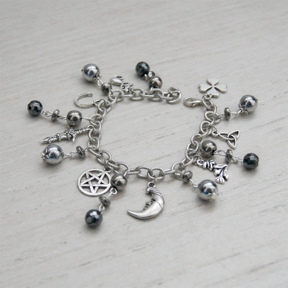 Ведьмины браслеты из натурального камня