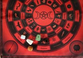 """Скатерть-алтарь """"Круги ведьмы"""" с камнями - фото 6466"""