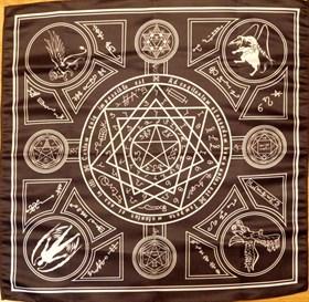 Скатерть-алтарь Энохианской магии с белым - фото 6480