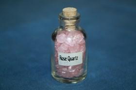 Розовый кварц: камни в бутылочке - фото 8791