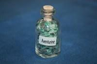 Авантюрин зеленый: камни в бутылочке