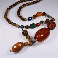 Ожерелье оберег из дерева Сливы с красным авантюрином (защита)